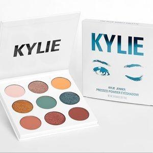 "kylie cosmetics ""blue honey"" eyeshadow pallete"